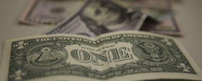Dólar fecha no menor nível em um mês em dia de reforma administrativa - Uniprime